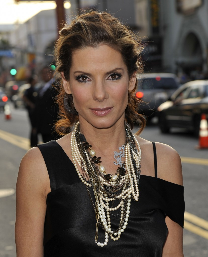 A New Life Hartz Curly Wedding Hairstyle: A New Life Hartz: Sandra Bullock With Different Hairstyle