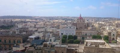 Vistas  de la Basílica de san Jorge desde la Ciudadela de Victoria, isla de Gozo.