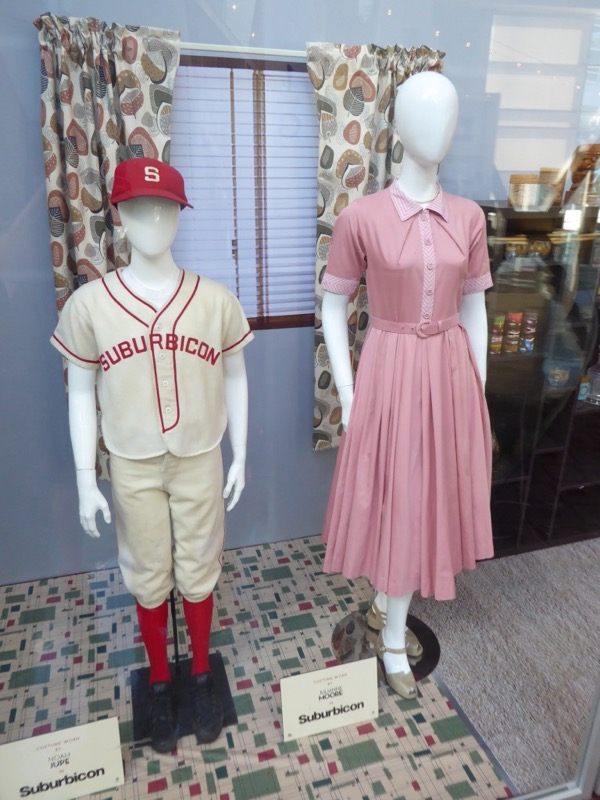 Suburbicon movie costumes