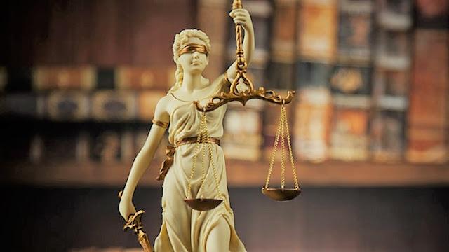 La loi, le droit et le jugement