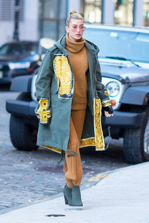 Hailey Baldwin looks chic out in NYC on Jan. 29, 2017 (SplashNews)