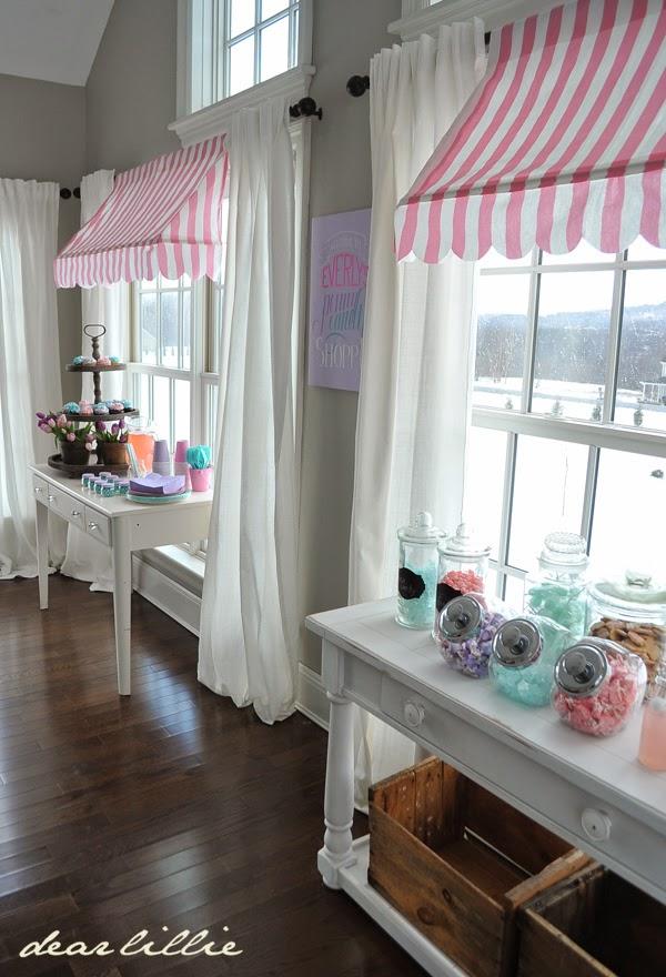 画像 突っ張り棒2本で憧れのカフェ風屋根「オーニング風」を作ろう Naver まとめ