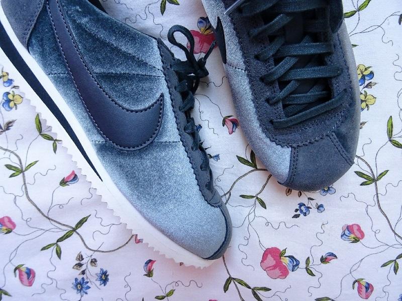 Nike cortez suede chez spartoo