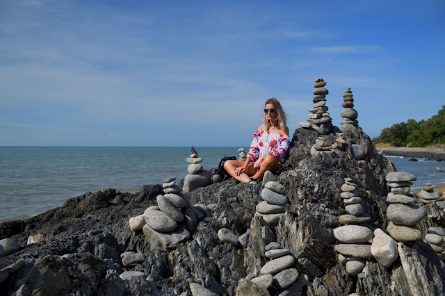 rock stacks cairns
