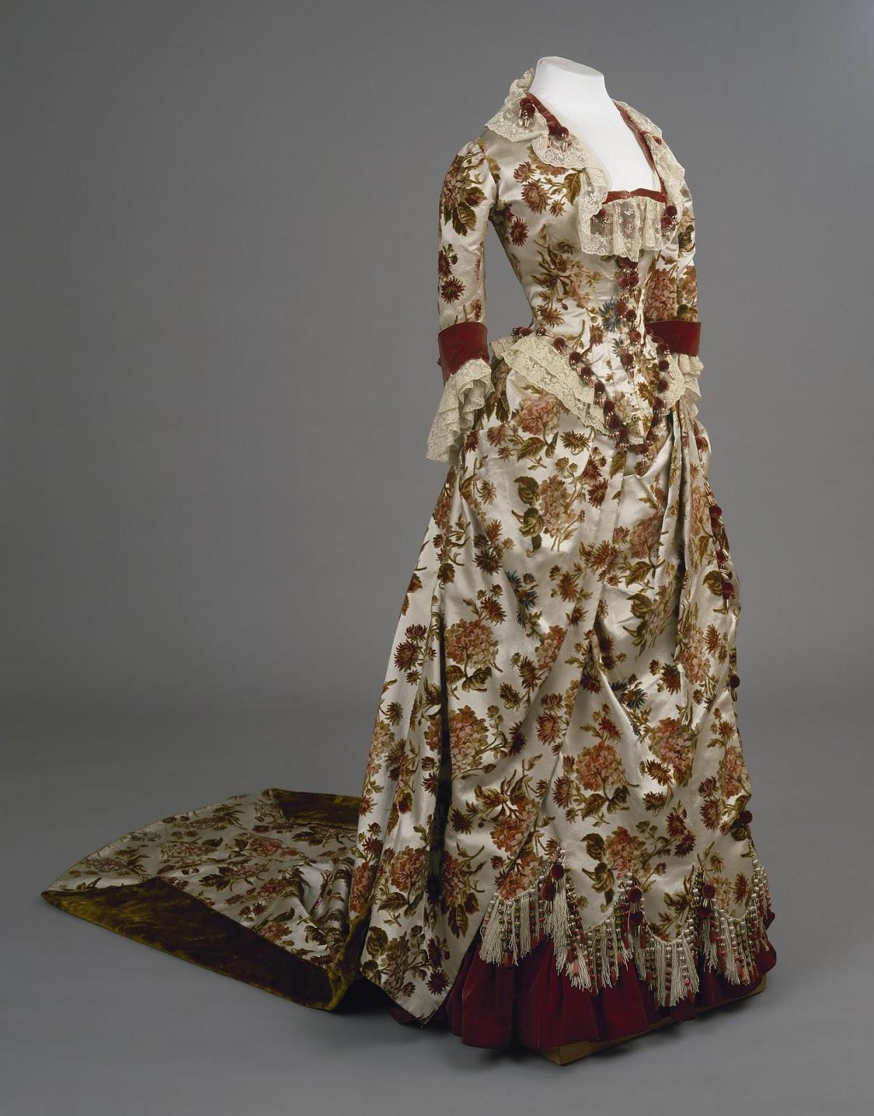 вот дорогие платья императриц в эрмитаже фото нюансы, как добратьс