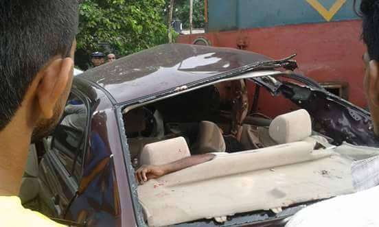 At least four people killed when a car collided with a train in Pothupitiya, Wadduwa.