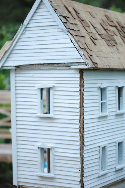 vintage doll house siding details