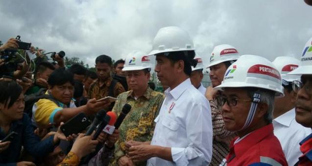 """Jokowi Sebut Isu """"Serangan"""" Tenaga Kerja China sebagai Fitnah"""