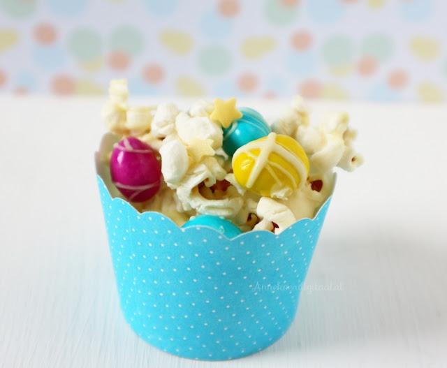 popcorn traktatie, popcorn trakteren, popcorn uitdelen, eenhoorn traktatie, recept eenhoorn, unicorn recept, eenhoorn traktatie, mm's, chocopopcorn