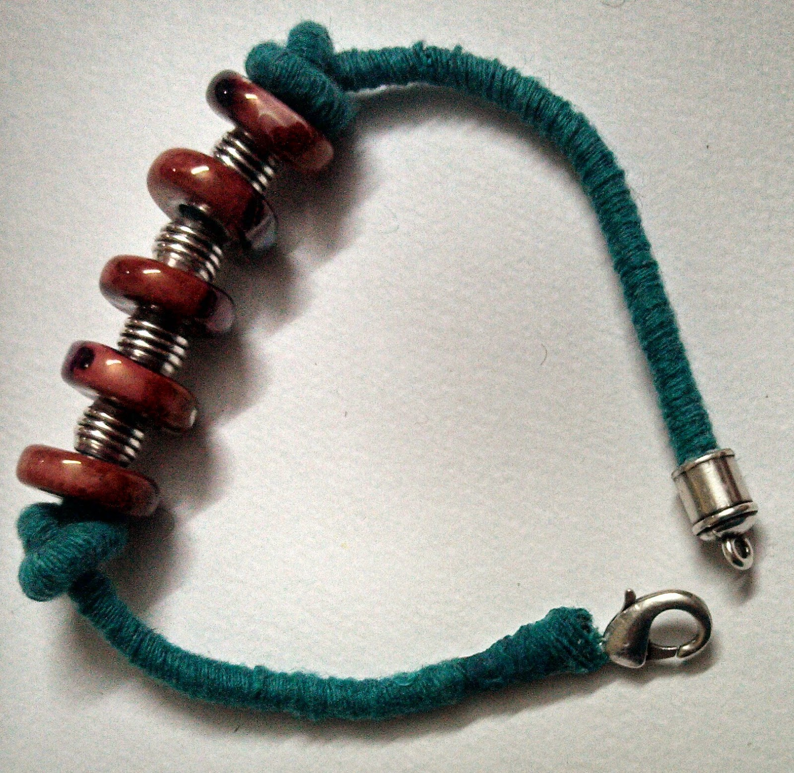 http://creativekhadija.com/2014/04/make-ceramic-beads-bracelet/