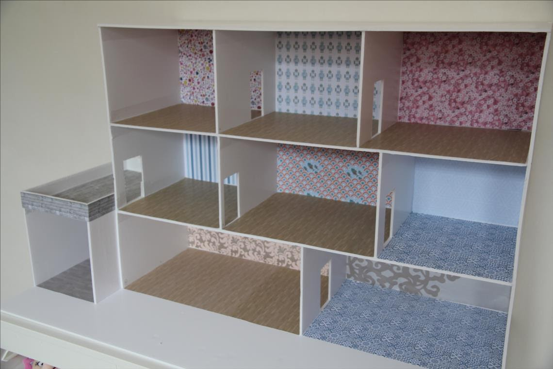 comment fabriquer une maison de playmobil en carton avie. Black Bedroom Furniture Sets. Home Design Ideas