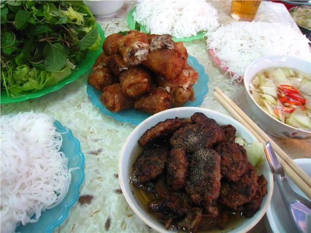 Bún chả Việt Nam là một trong những món ăn hấp dẫn nhất mùa hè