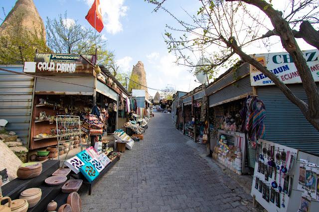 Bancarelle Punto panoramico tra Goreme ed Uchisar-Cappadocia