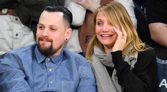 Cameron Diaz is pregnant with twins
