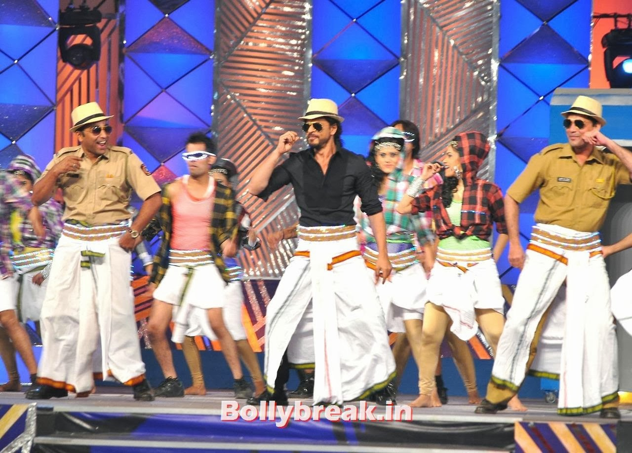 Shahrukh Khan, Bollywood Stars performing on stage at Police Umang 2014 - HD Pics