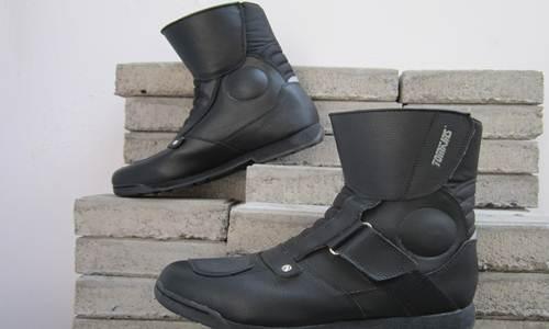 https://wa-emief.blogspot.com/2017/09/daftar-harga-sepatu-tomkins-touring.html