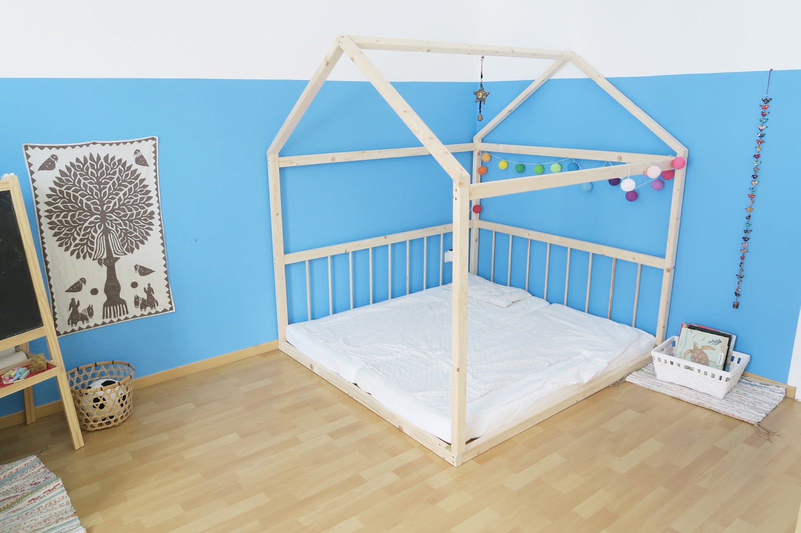 emil und mathilda unser montessori inspiriertes kinderzimmer f r 2 kinder. Black Bedroom Furniture Sets. Home Design Ideas
