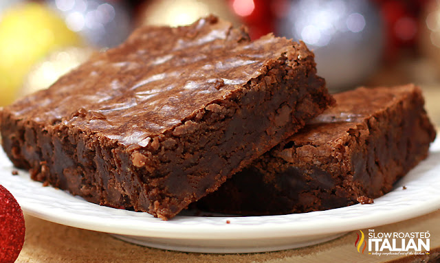 https://3.bp.blogspot.com/-lODKZpRc0XU/Vr1FnrA0-WI/AAAAAAAAYgw/47rzYWcglUs/s1600/best-ever-outrageous-brownies-wide-TSRI.jpg