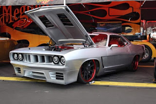 1971-Plymouth-Barracuda-with-a-Viper-V10-02-620x413 dans Pro touring