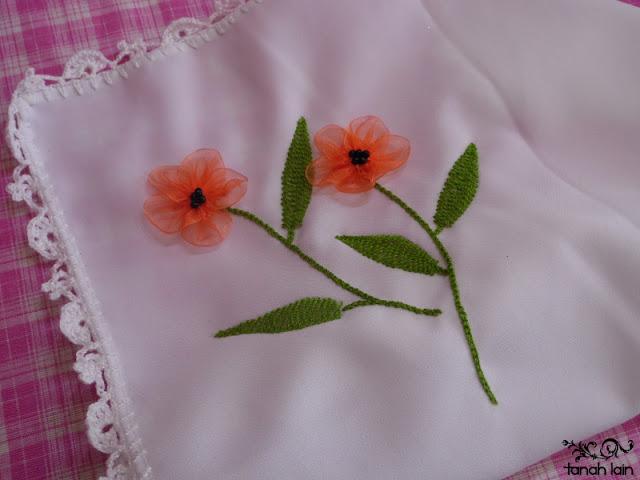 Flores Bordadas Con Liston Amapolas