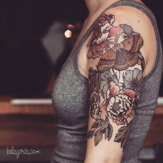 tatuajes de flores mariposas y enredaderas para mujeres