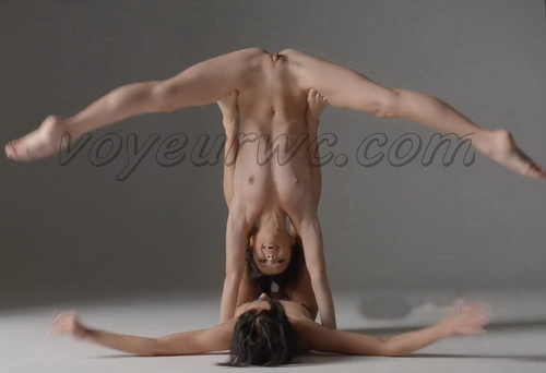 Naked Twins - Erotic Dance Performance