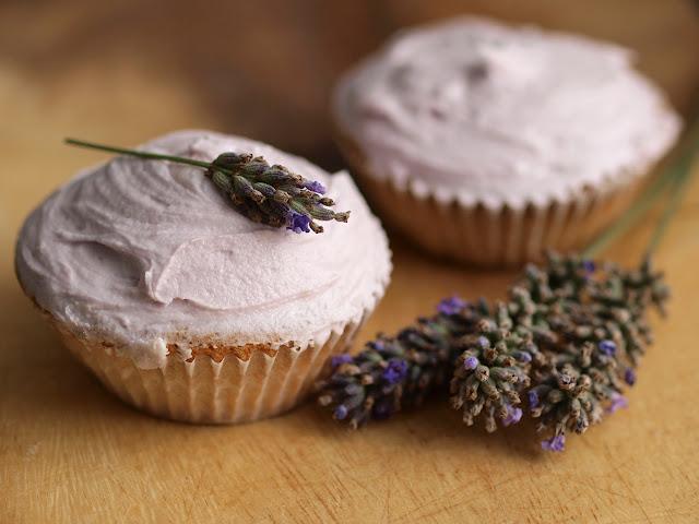 Lavender_cupcakes.jpg