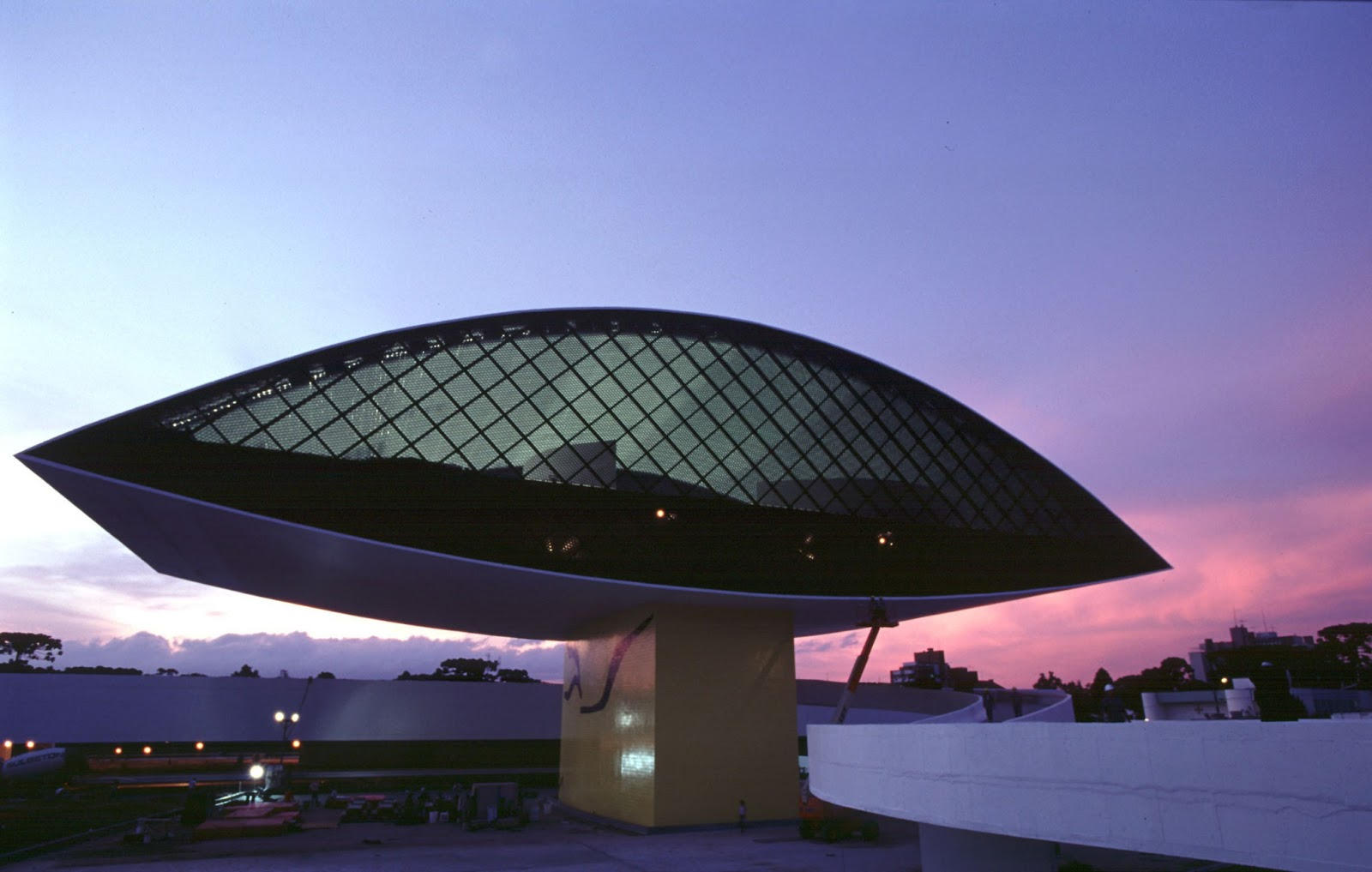 Museum Museu Oscar Niemeyer Curitiba Brazil Les Bons