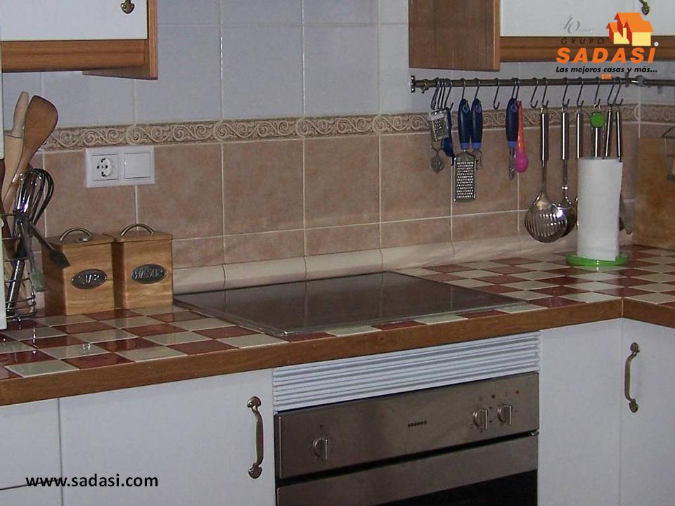 Sadasi corporativo el azulejo es un excelente material for Barras de cocina de concreto