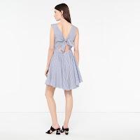 https://fr.sandro-paris.com/fr/femme/robes/robe-a-rayures-a-nouer-au-dos/R5116E.html?dwvar_R5116E_color=47