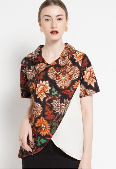 27 Gaya Terkini Model Baju Atasan Batik Elegan