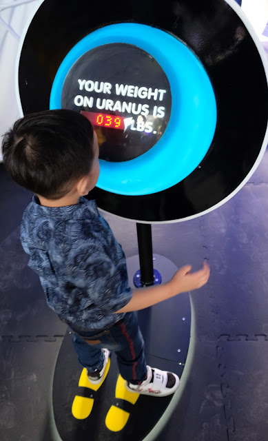 a photo of Space Adventure at The Mind Museum review.