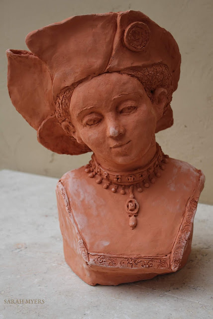 art, sculpture, sarah, myers, arte, escultura, design, contemporary, modern, lucas, cranach, woman, face, head, figurative, renaissance, hat, terracotta, ceramic, ceramica, jewellery, velvet, portrait, retrato, embroidery, pearls, expression, details, red, clay, young, lady, rich, realistic, sixteenth, century