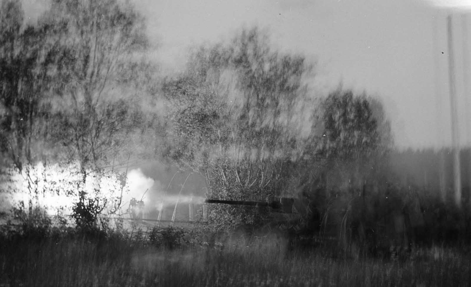 Firing toward a Russian watchtower near Koitsanlahti.