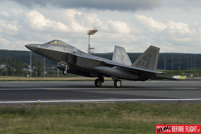 F-22 Raptor F-35 JSF RAF Lakenheath