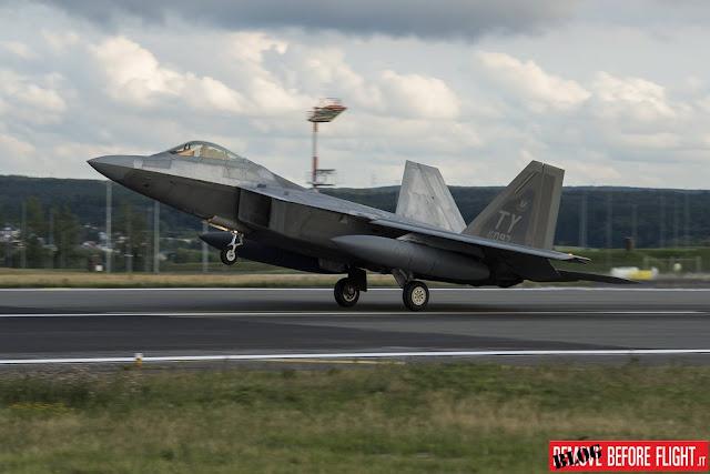 F-22 Raptor F-35 JSF RAF Lakenheath