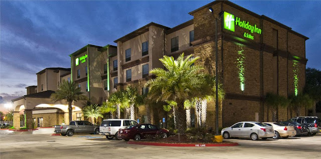 Holiday Inn® & Suites Lake Charles South in Lake Charles is located on Lake Street which is easily accessible from I-210 exit 5. The hotel offers spacious guest accommodations and suites along with a full service restaurant for breakfast and dinner dining.