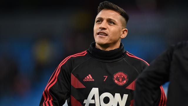 Chile Concerns As Man United's Alexis Is 'Acting Weird'