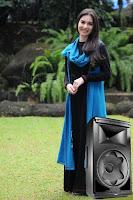 Mengoperasikan Speaker Aktif