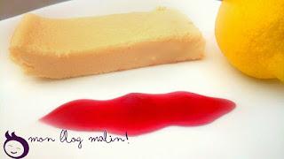 Mon gâteau au fromage blanc avec du coulis de fruits rouges