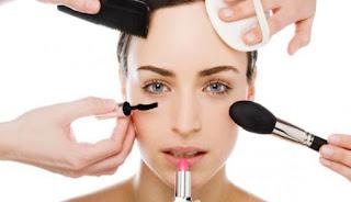 Bahaya Memakai Make Up Terlalu Sering
