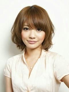 101 Contoh Model Rambut Pendek Mengembang Wanita Terlihat Keren