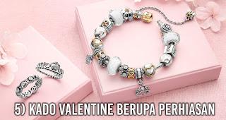 Kado Valentine Berupa Perhiasan