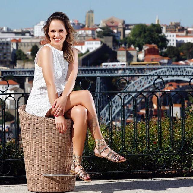 The Beautiful Ana Viriato Shows her Fine Legs