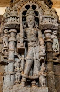 Columnas del Templo de Chaumukha
