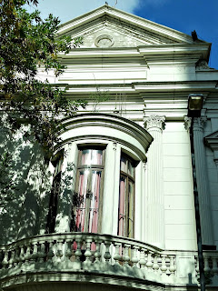 Detalhe da Fachada do Teatro Coliseo, La Plata, Argentina
