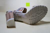 unten: Alexis Leroy Blockabsatz Blume gedruckt Damen Offene Sandalen mit Keilabsatz