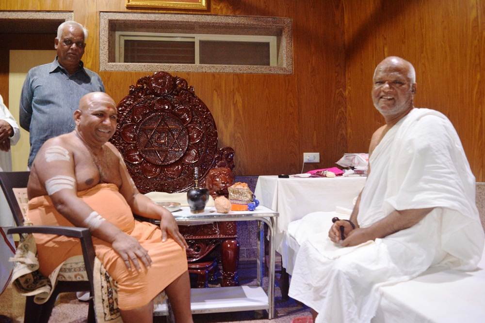 Shri-Narmadanandaji-Maharaj-arrived-in-Sri-Mohankheeda-Tirtha-श्री मोहनखेडा तीर्थ में श्री नर्मदानंदजी महाराज का हुआ आगमन