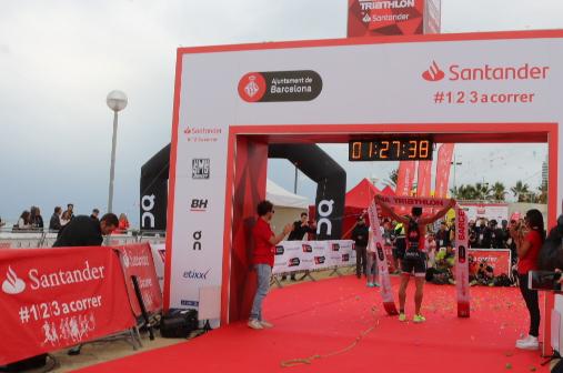 Jordi García y Laura Gomez vencen la Barcelona Triathlon by Santander 2018