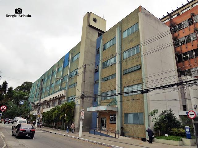 Vista ampla do prédio novo do Instituto da Criança - HC - Cerqueira César - São Paulo